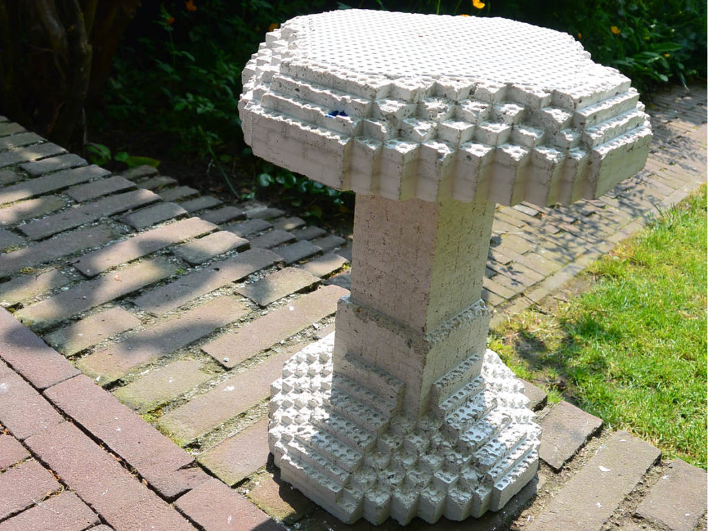 Panemarenko // Making a concrete Lego Chair